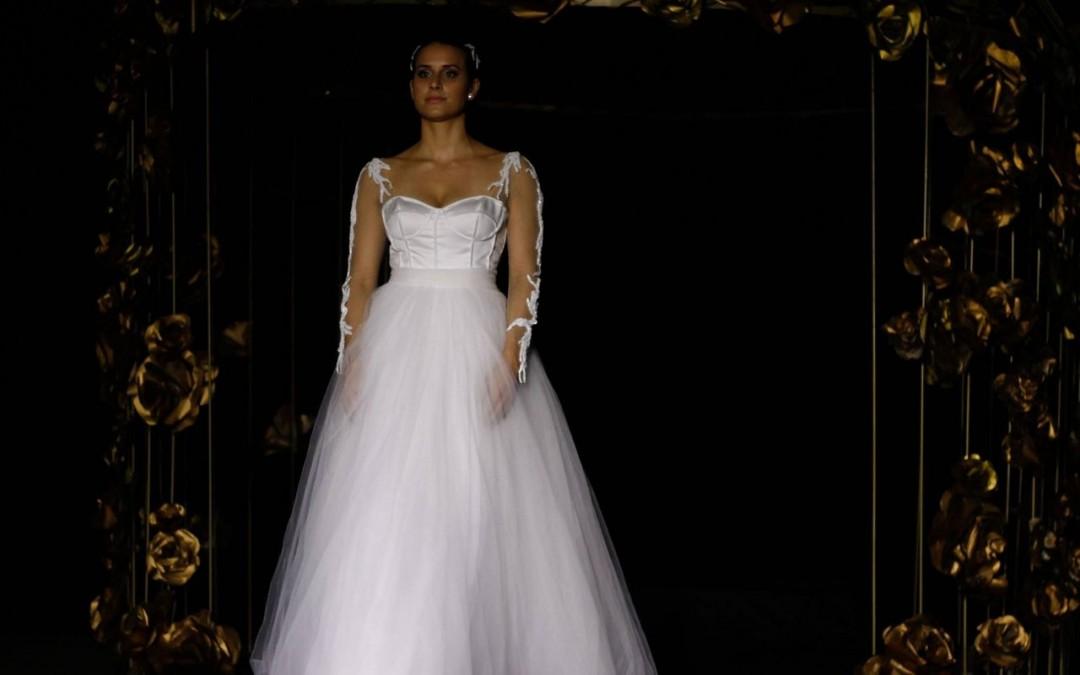 Universo de noivas e festas é tema de desfile de moda em Blumenau