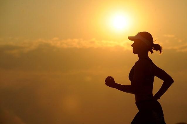 Cinco dicas para se preparar para o verão de forma saudável