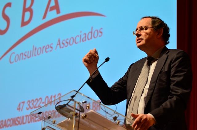 Eduardo Giannetti é otimista com relação ao futuro da economia