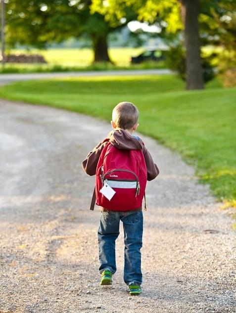 Volta às aulas e os cuidados com o peso da mochila