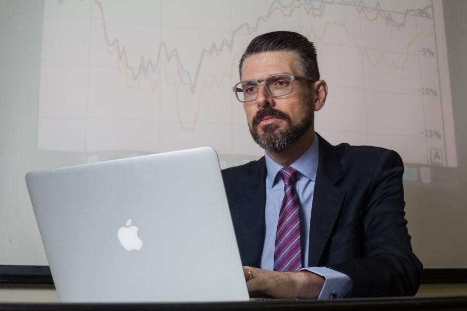 Especialista em finanças cria proposta simples para auxiliar na conquista da independência financeira
