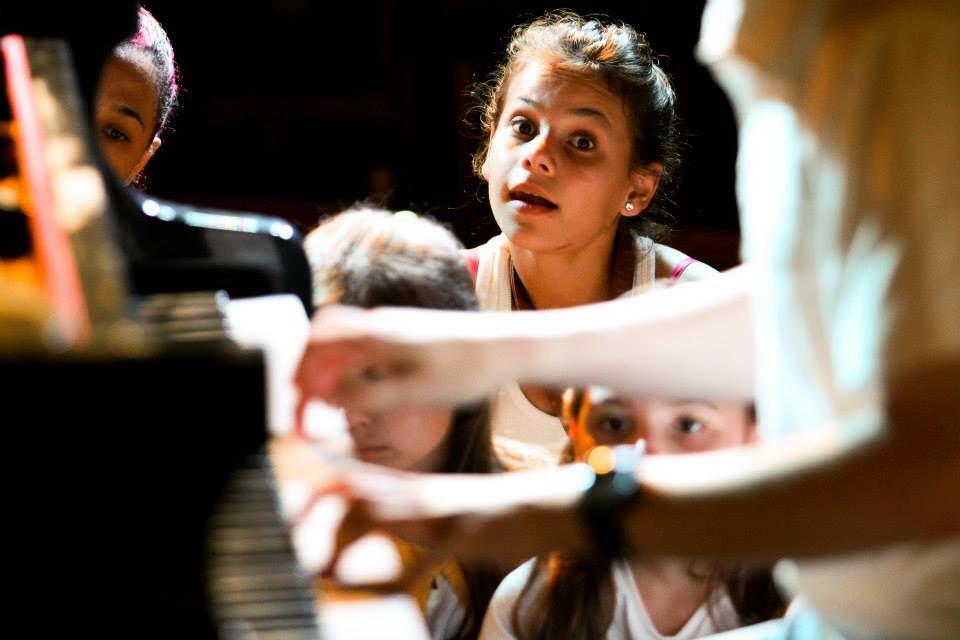Projeto leva aulas gratuitas de musicalização infantil ao bairro Itoupava Central