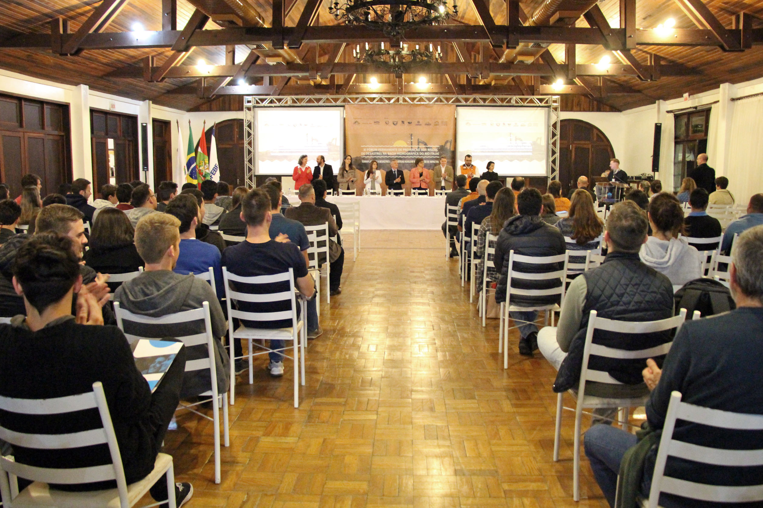 Abertura Forum