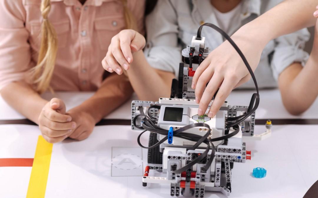 Alunos do Espaço de Educação Maker do SESI participam de torneio de robótica