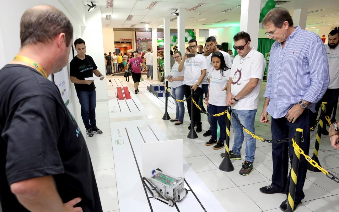 Alunos do SENAI de todo Estado participam do SENAI Challenge, em Joinville