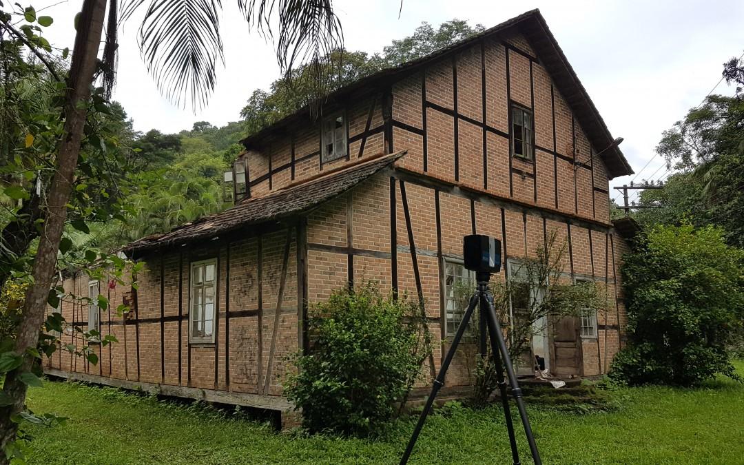 Restauração da segunda maior casa enxaimel de Blumenau conta com serviço de escaneamento inédito na cidade