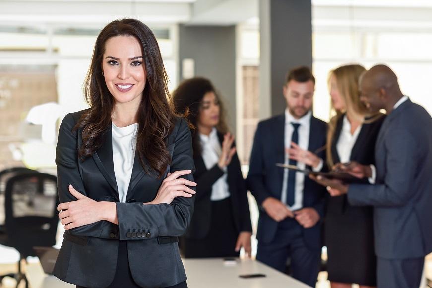 Liderança eficiente: segundo pesquisa, mulheres são mais eficientes à frente dos negócios