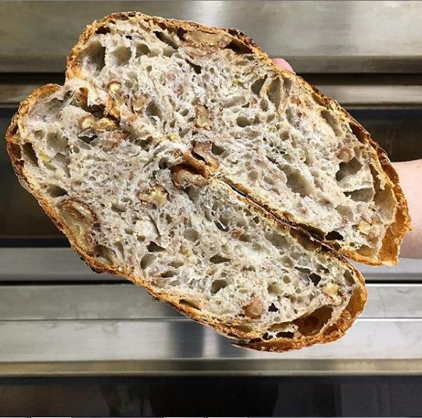 Padaria artesanal cria serviço de assinatura de pães em Blumenau