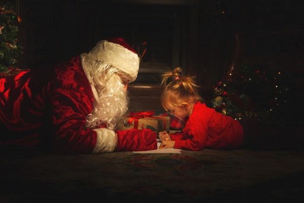 Dezenas de crianças têm pedido de Natal atendido