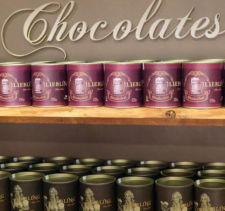 Marca de chocolates blumenauense desenvolve linha corporativa