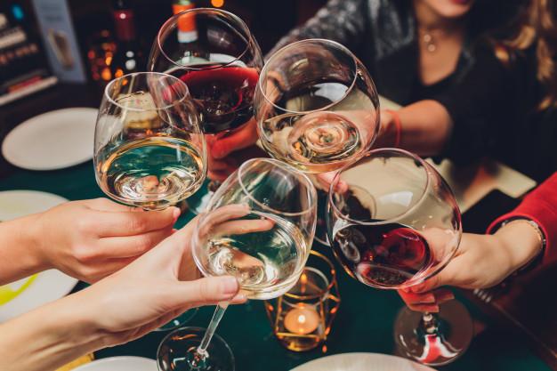 Vinhos e astrologia: confira dicas sobre a bebida que combina melhor com cada signo